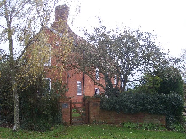 "Red-brick ""Cottage"""